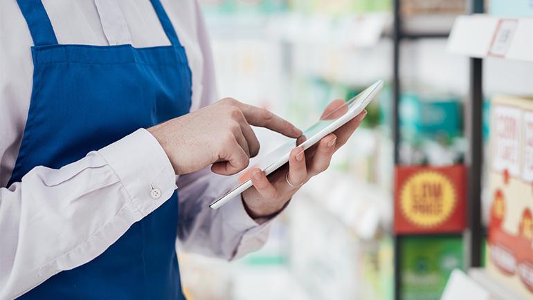自遊空間事例に学ぶ! 店舗運営を効率化するモバイルアプリ活用とは
